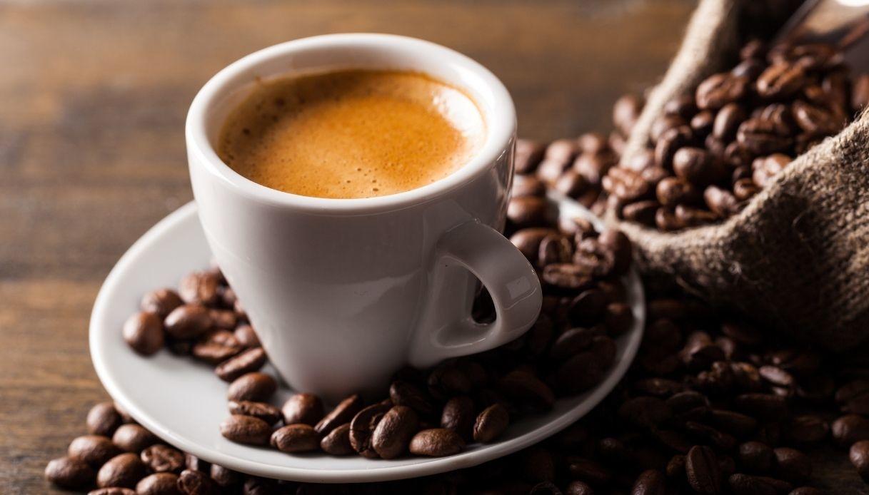 benefici caffè bruciagrassi